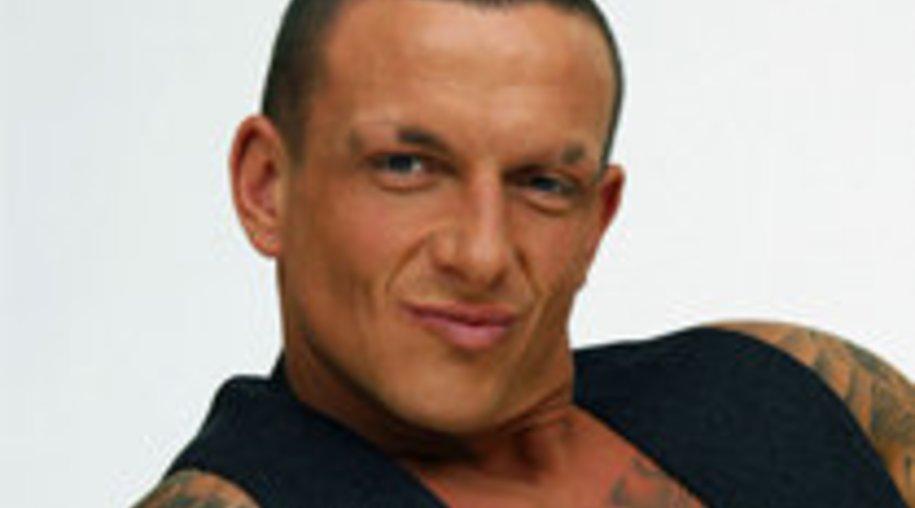 Big Brother 10: Klaus verschmutzt Lillys Kissen – Strafe von BB