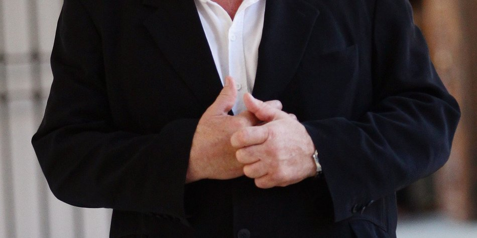 Gérard Depardieu in der Rolle von Strauss-Kahn