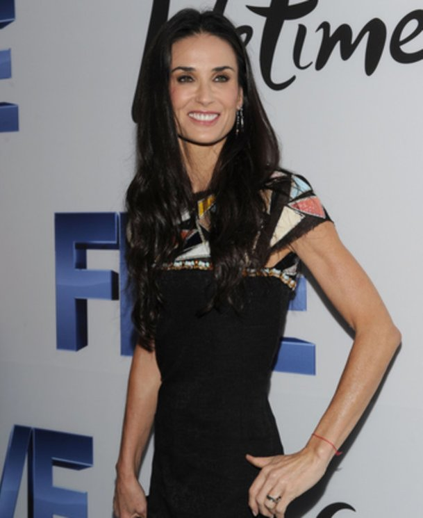 Demi Moore hat in eine Entzugsklinik eingecheckt.