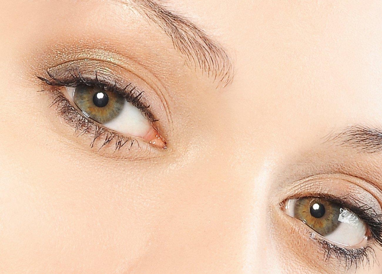 Grüne Augen schminken - natürlicher Look
