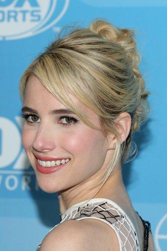 Emma Roberts: Lockere Hochsteckfrisur