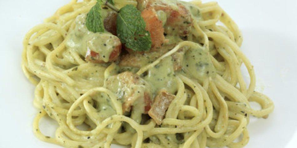 Spaghettisalat mit Pesto