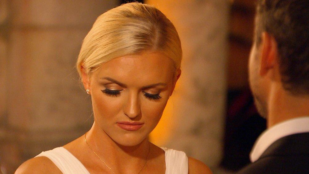 """Erika kann ihre Enttäuschung über Sebastians Entscheidung nicht verbergen. Verwendung der Bilder für Online-Medien ausschließlich mit folgender Verlinkung:""""Alle Infos zu """"Der Bachelor"""" im Special bei RTL.de: http://www.rtl.de/cms/sendungen/show/der-bachelor.html"""