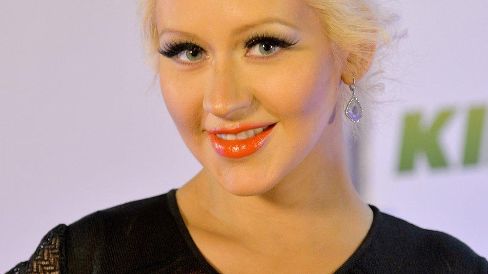 Christina Aguilera ist stolz auf ihre Baby-Kurven