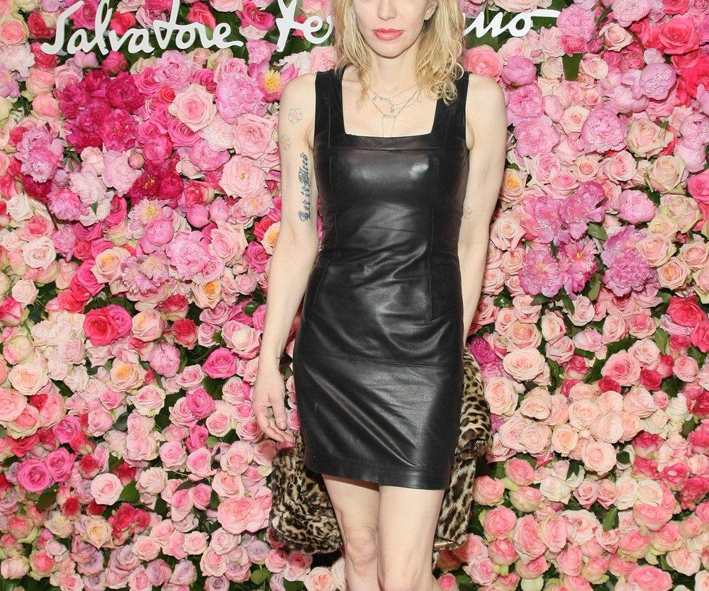 Courtney Love wird von ihrer früheren Assistentin verklagt