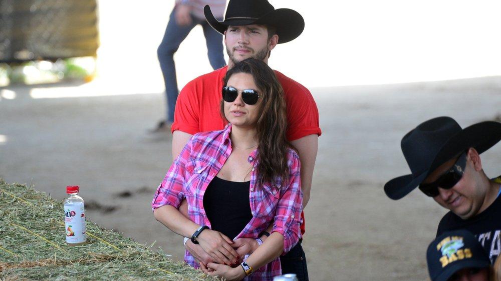Ashton Kutcher und Mila Kunis: Haben sie im Freien geheiratet?