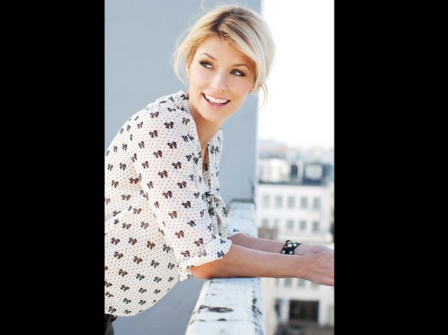 Annica Hansen modelt