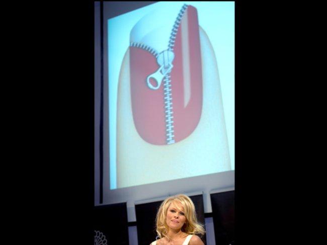 Pamela Anderson Striplac