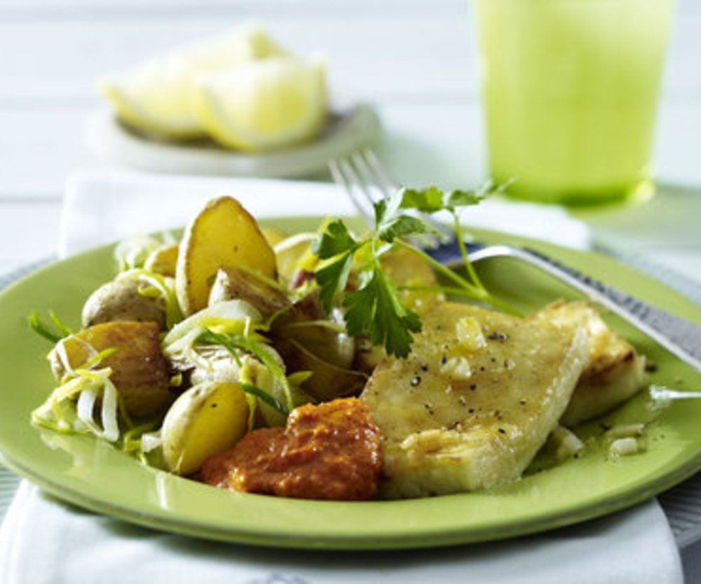 Tofu-Schnitzel mit Mandel-Paprikasoße zu Porree-Röstkartoffel-Gemüse (VEGAN)