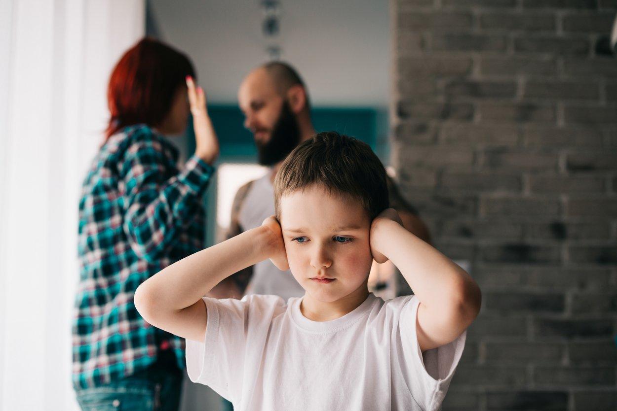 Streit in der Ehe Gründe Kindererziehung
