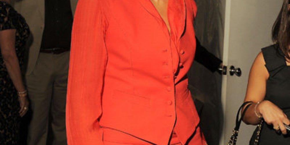 Heidi Klum trägt Rot: Trend im Herbst 2010