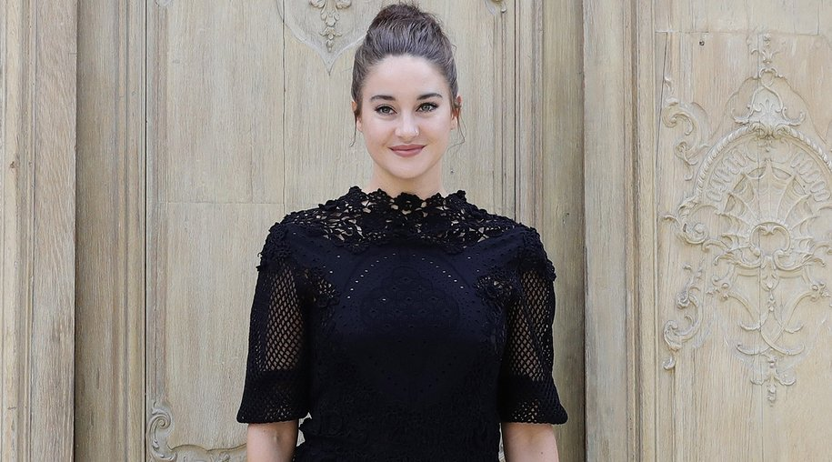 Valentino : Outside Photocall - Paris Fashion Week Womenswear Spring/Summer 2017