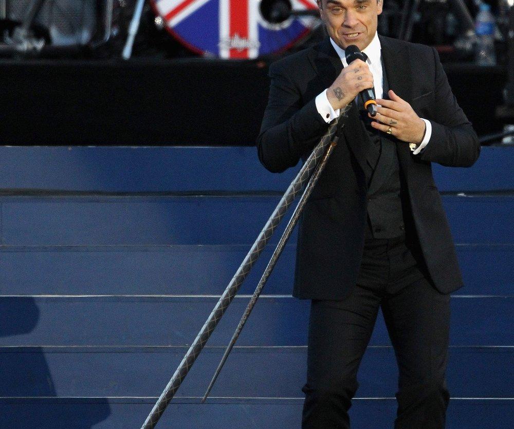 Robbie Williams: Fashion Show in Berlin