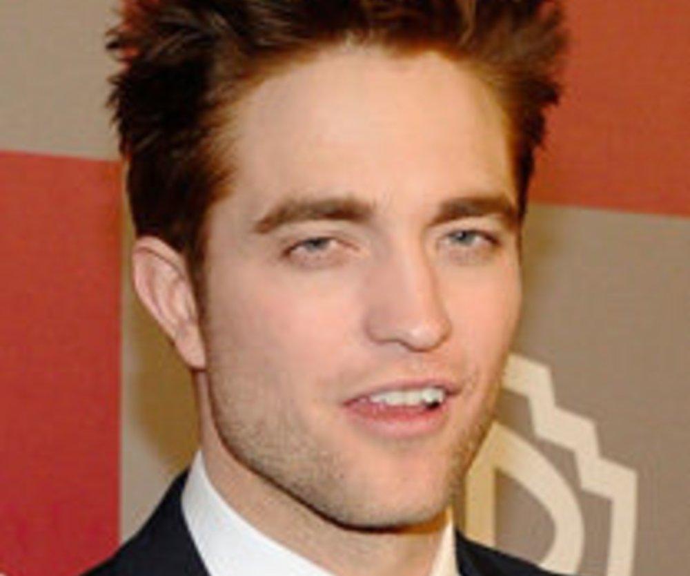 Robert Pattinson: Golden Globes Auftritt peinlich eingeleitet