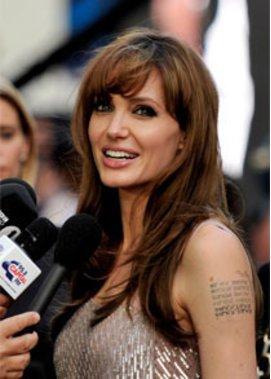 Angelina Jolie wird wegen ihrem ersten eigenen Film angefeindet