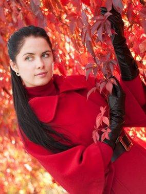 Absolut trendy diesen Herbst: Mäntel in Leuchtfarben