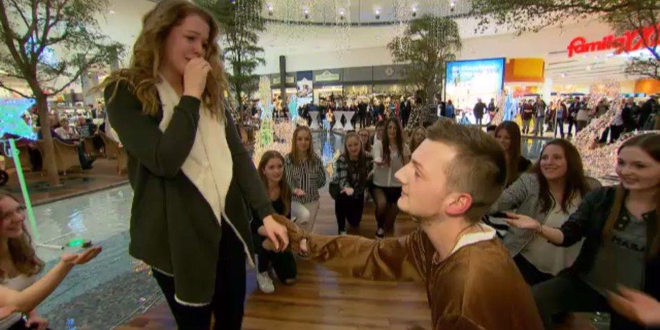 heiratsantrag einkaufszentrum
