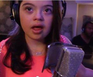 Mädchen mit Down-Syndrom singt berührenden Song von John Legend