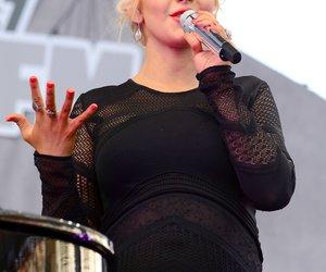Christina Aguilera hochschwanger im Tonstudio
