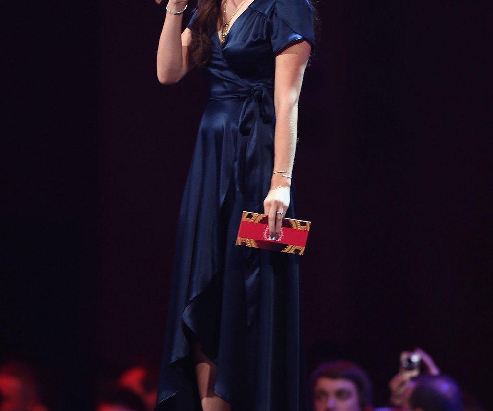 Lana Del Rey: Betrunken bei den EMAs?