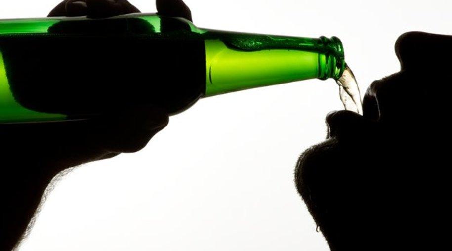 Wer zu viel Alkohol trinkt, hat ein erhöhtes Risiko für Bluthochdruck oder Krebserkrankungen.