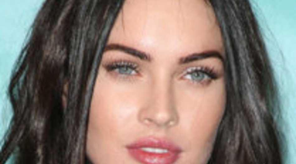 Löst Megan Fox Victoria Beckham bei Armani ab?