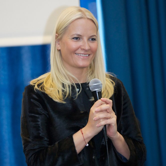 OSLO, NORWAY - MARCH 21: Princess Mette-Marit of Norway visits the Ullevalsveien elementary school on March 21, 2013 in Oslo, Norway. (Photo by Ragnar Singsaas/Getty Images)