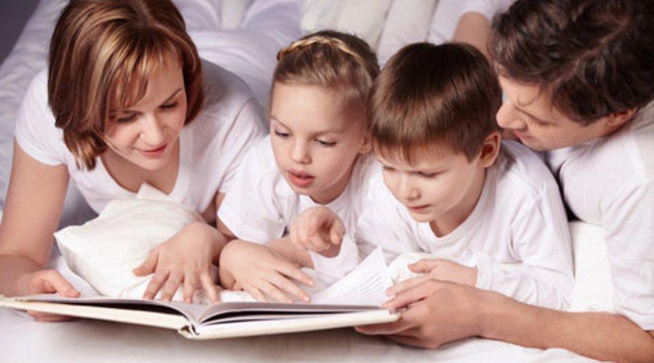 Kinder: Vorlesen fördert die Entwicklung