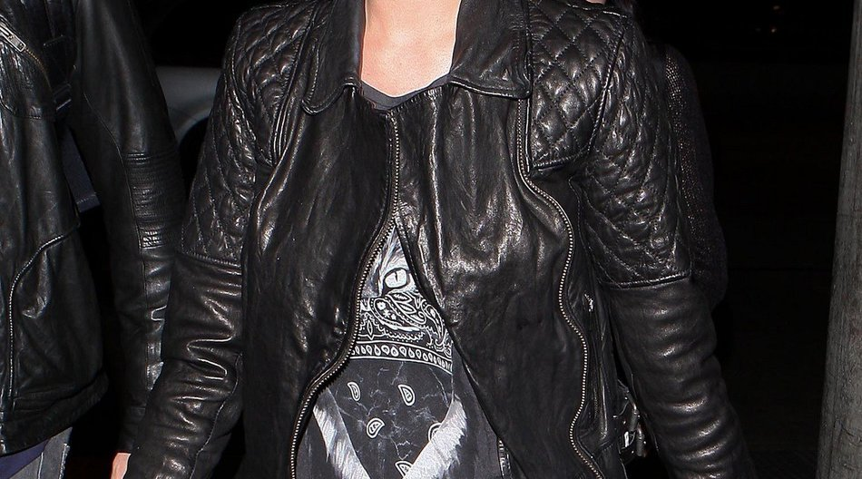 Katy Perry sieht schwarz