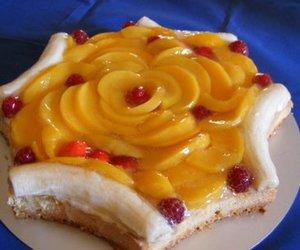 Mandelmürbeteig und Biskuit in einem gebacken für Obstkuchen