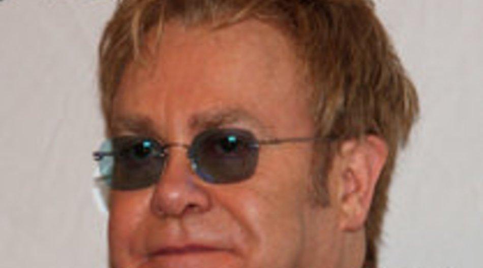 Elton John ist immer noch krank