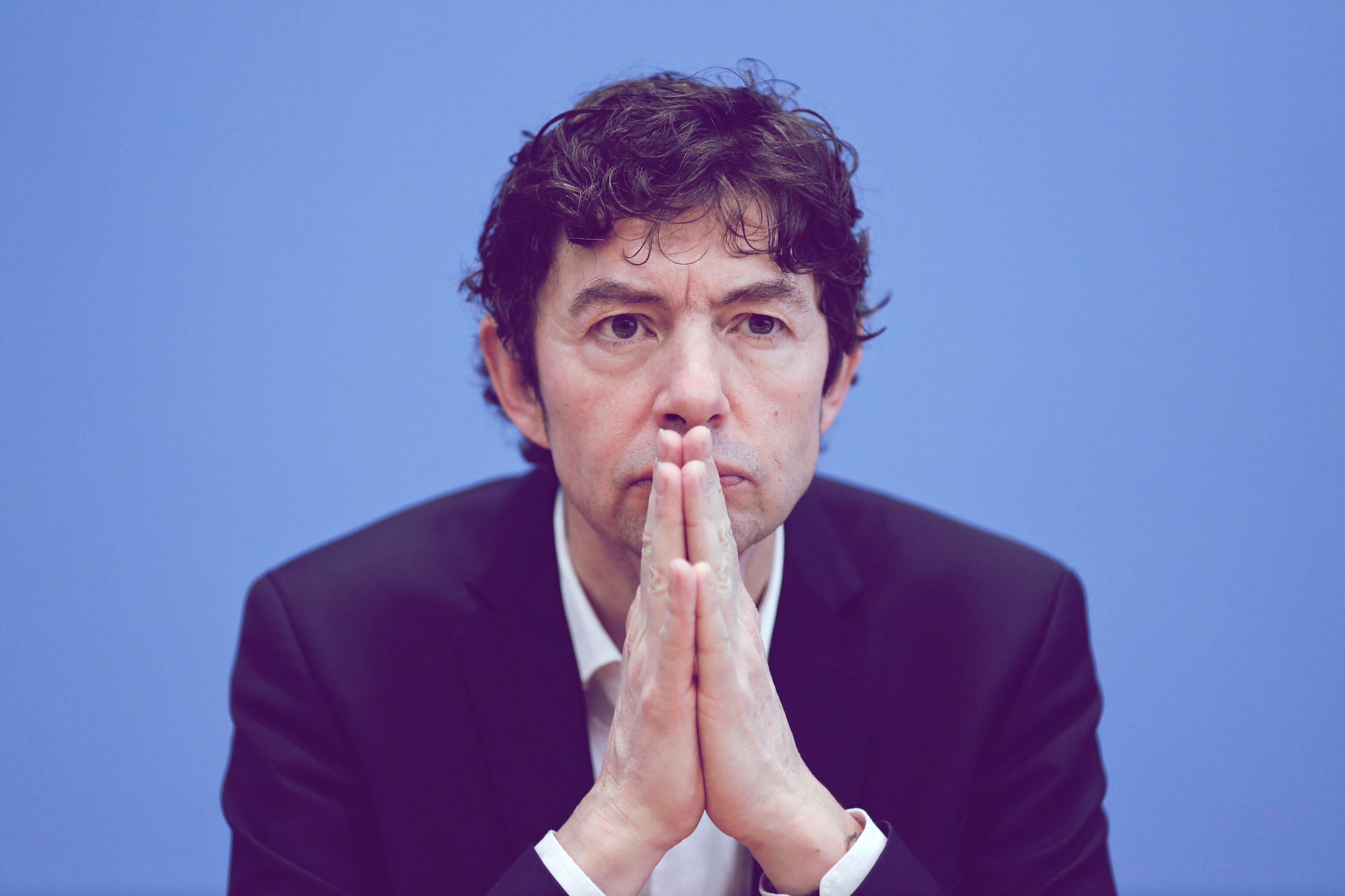 Virologe Christian Drosten denkt über Rückzug nach   desired.de