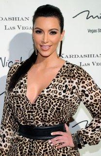 Kim Kardashian: Pferdeschwanz in Schwarz