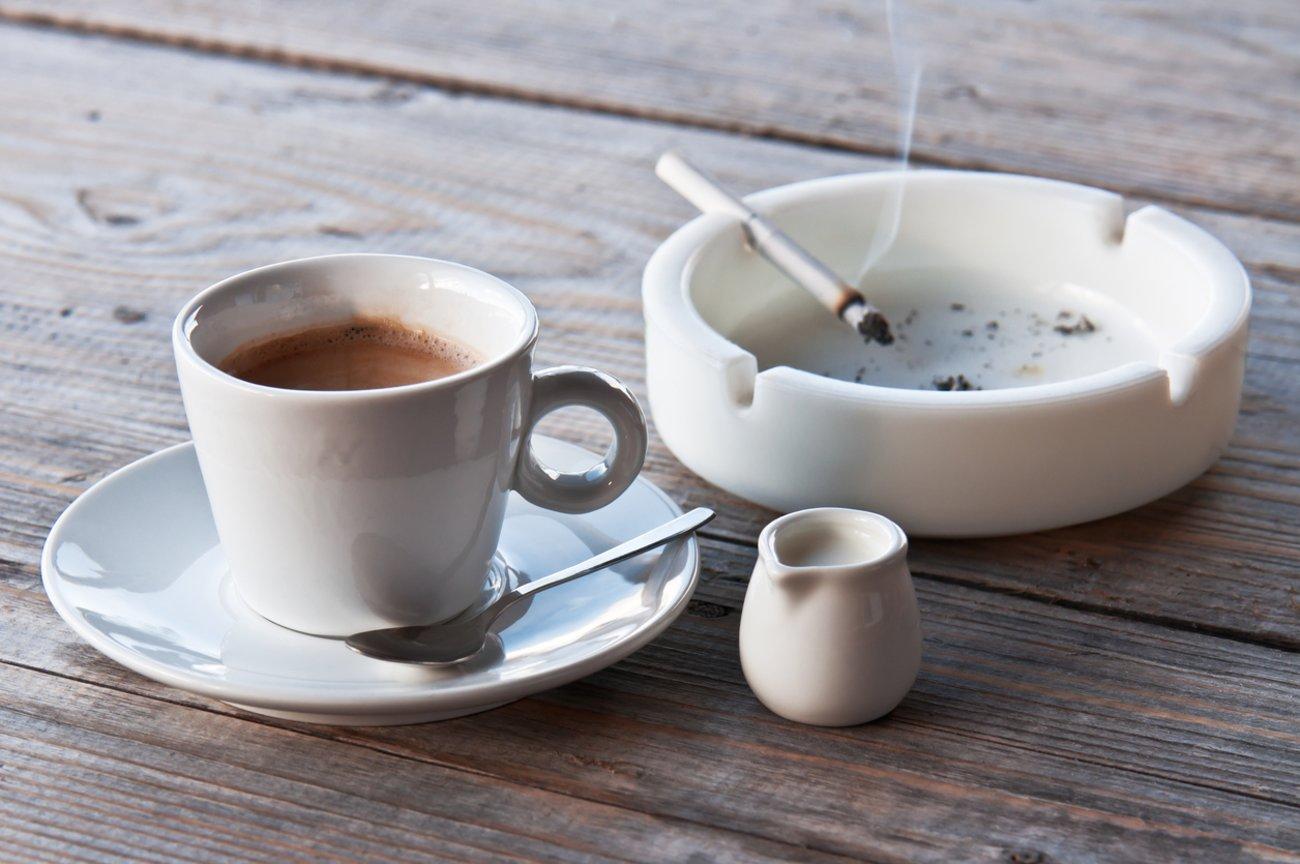 Starkes Schwitzen Kaffee Nikotin