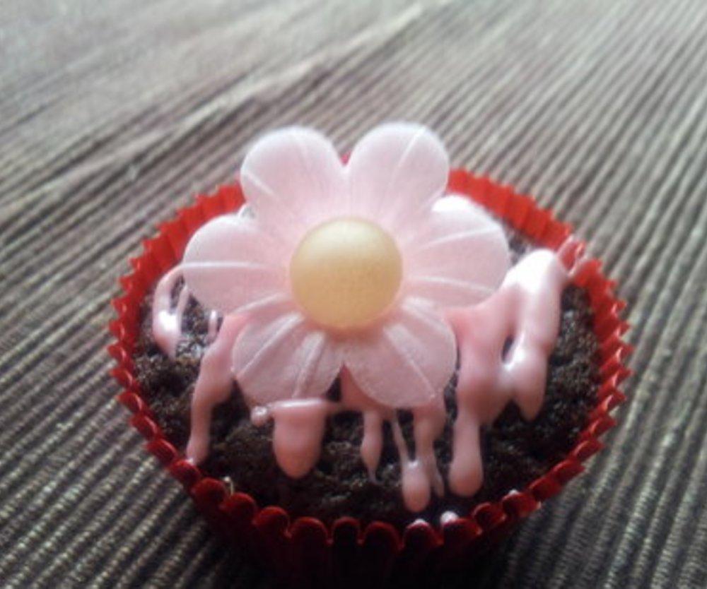 Schokomuffin mit Erdbeerschokoladenglasur