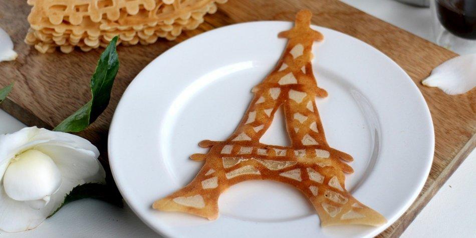 Mittels Frühstück jemandem mitteilen, wohin die nächste Reise geht? Geht ganz einfach mit Pancake Art!