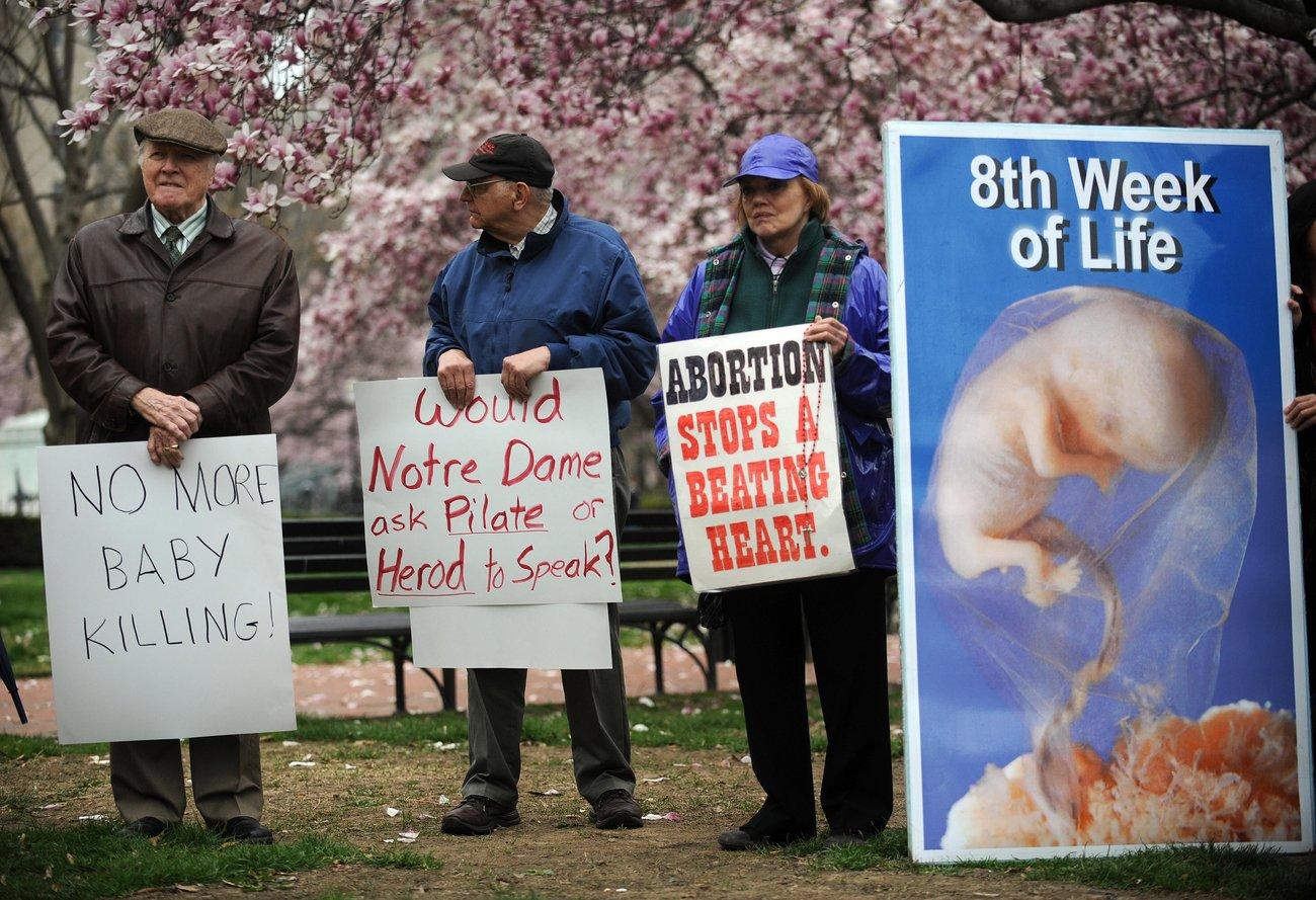 Abtreibungsgegner wollen mit drastischen Bildern schocken und Frauen von Abtreibungen abhalten.