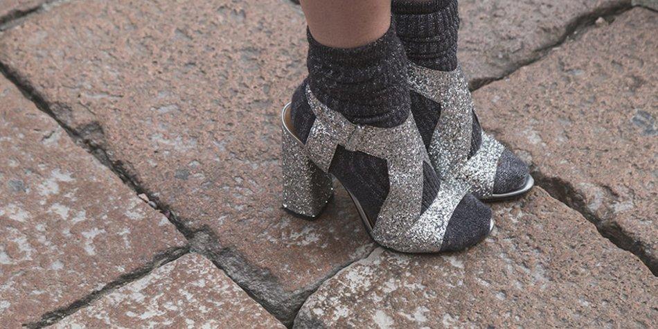 Socken in Sandalen