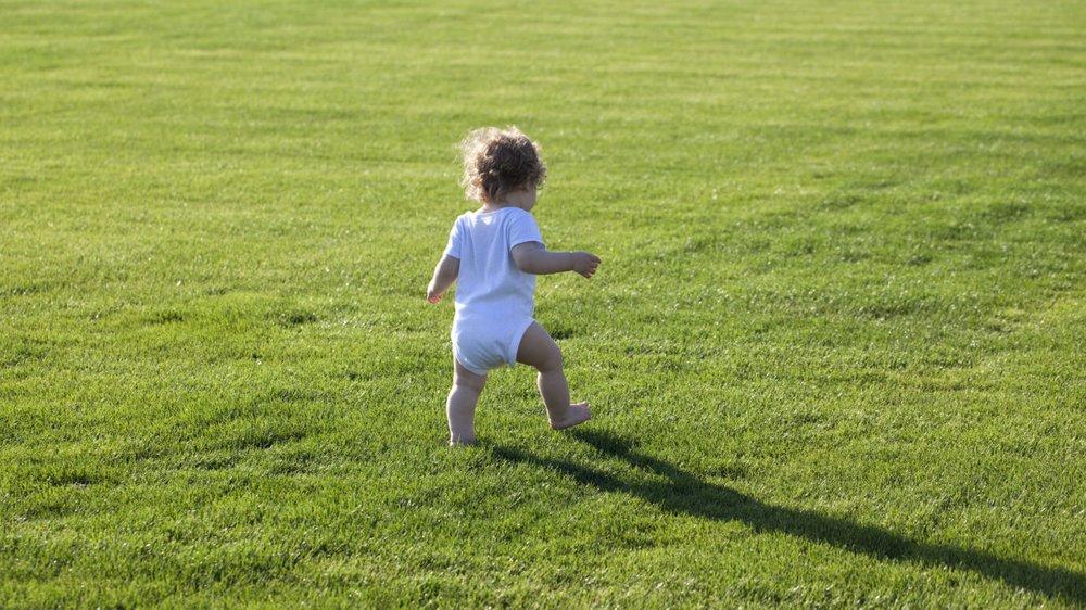 Ab wann können Babys laufen?