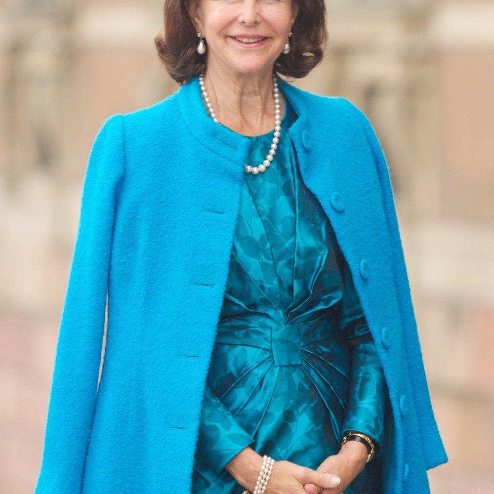 Königin Silvia besucht den Semperopernball