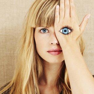 Verschwommen sehen auf einem Auge
