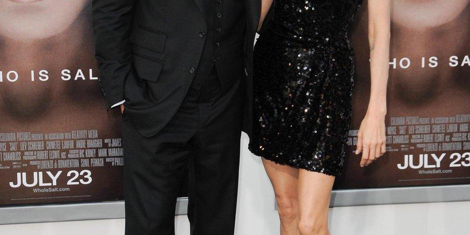 Angelina Jolie: Es ist der Ehering der Oma von Brad Pitt!