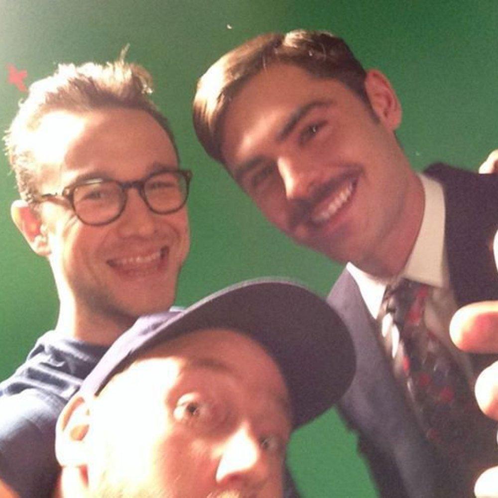 Zac Efron trägt jetzt Schnurrbart