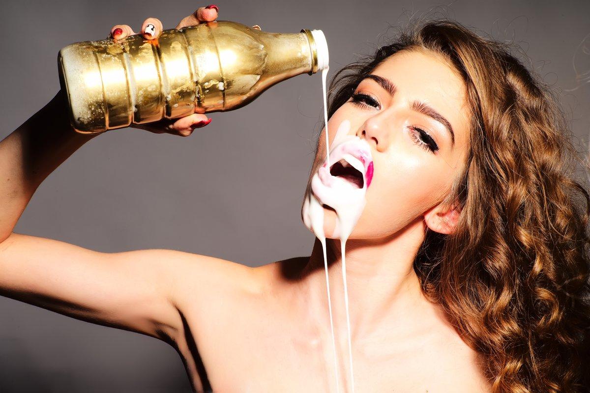 Mädchen macht ihr Selbst Sperma