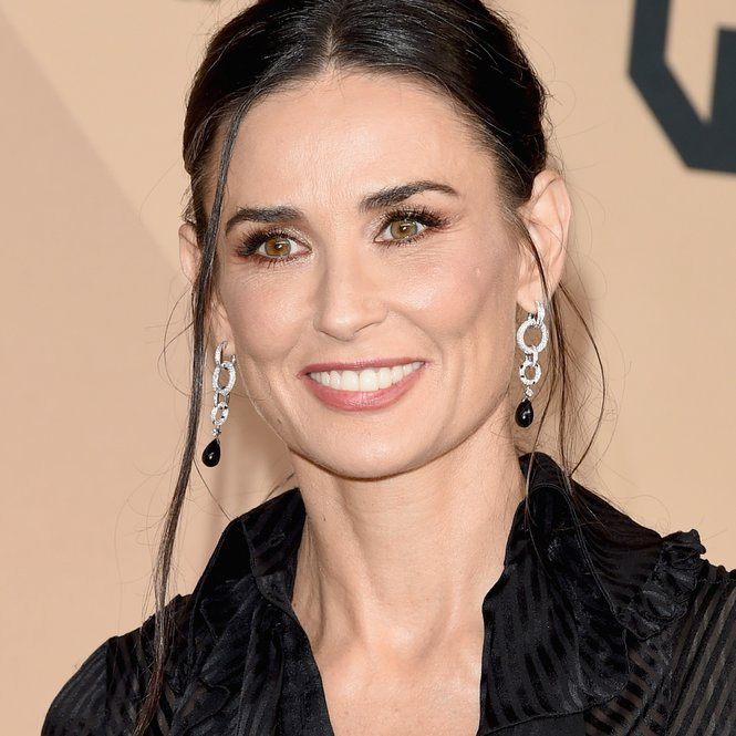 LOS ANGELES, CA - JANUARY 30:  Actress Demi Moore poses in the press room during The 22nd Annual Screen Actors Guild Awards at The Shrine Auditorium on January 30, 2016 in Los Angeles, California. 25650_015  (Photo by Jason Merritt/Getty Images for Turner)
