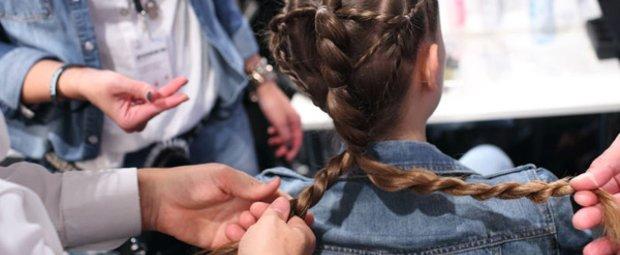 Geflochtene Haare bei Tomaszewski