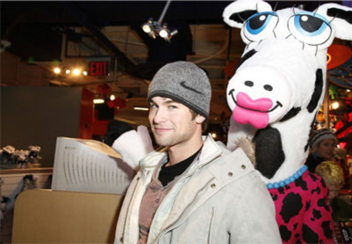 Chace Crawford und Miss Maggie Moo