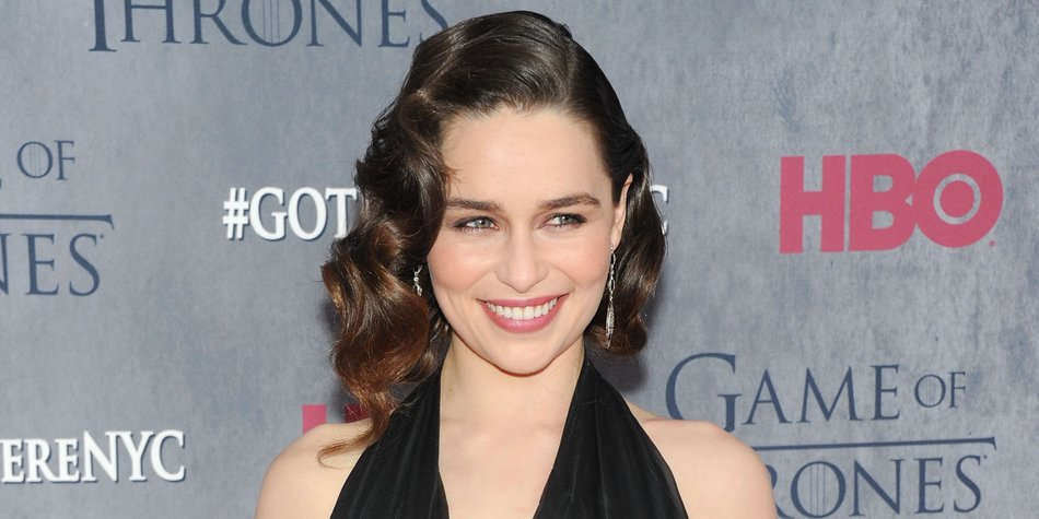 """NEW YORK, NY - MARCH 18: Actress Emilia Clarke attends the """"Game Of Thrones"""" Season 4 New York premiere at Avery Fisher Hall, Lincoln Center on March 18, 2014 in New York City. (Photo by Jamie McCarthy/Getty Images)"""