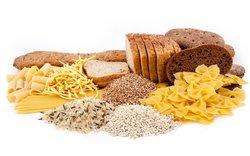 Brot, Nudeln und Reis können Deinen Bauch aufblähen.