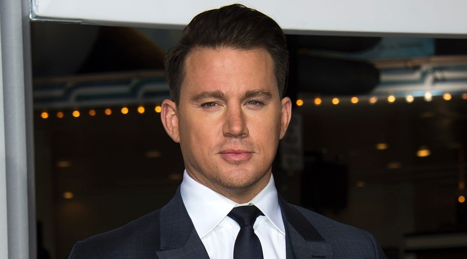 Actor Channing Tatum arrives at The Universal Premiere of Hail, Caesar! at the Regency Village Theatre, in Westwood, California, February 1, 2016 / AFP / Valerie Macon (Photo credit should read VALERIE MACON/AFP/Getty Images)